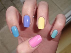 http://barukrizova.blogspot.cz/2013/02/pastel-nails.html