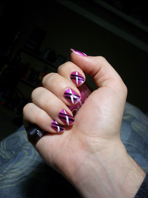 Nail art time! Rimmel 60 seconds polish in Pulsating and Orly instant artist nail polishes.
