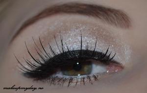 False Eyelashes: Elise 071 Mascara: Isadora Precision Eyeliner pen: Isadora flex tip eyeliner Eyeliner: Isadora: black and Sephora: white Eyeshadow: Sephora: Aspen summit. NYX: Deep Bronze and Taupe