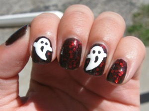 Cartoony ghost nails.