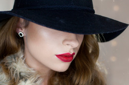 Holiday Makeup Inspiration: Classic, Bold Lips