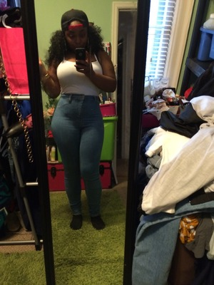 9f3c4ee37 So I just started wearing a waist trainer and might I add