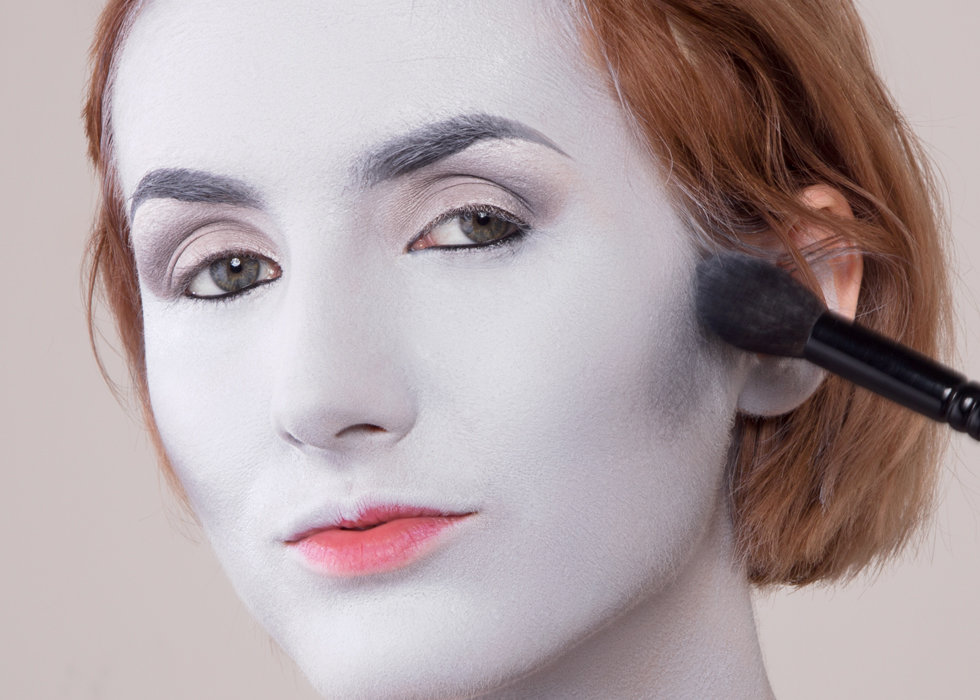 Lady gray grayscale makeup you can master beautylish contour ccuart Gallery