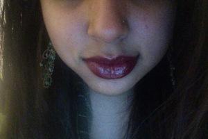 deeeep red lips