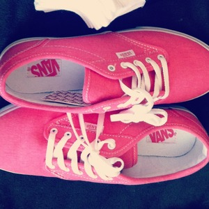 What To Wear With Pink Vans? | Beautylish