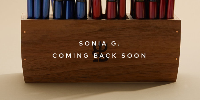 Sonia G.'s Pro Eye Set & Brush Holder are restocking soon! –Sign up for notifications.