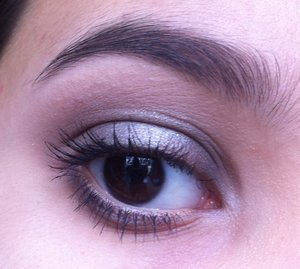 I created this look with the Urban Decay Naked2 Basics 😍