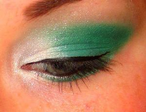 Green and white! Inspired by Stacey Makeup D