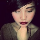 bold lips with romantic shade of gold outfit