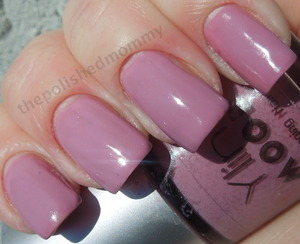 Full review: http://www.thepolishedmommy.com/2013/01/bornpretty-magic-purplepink-mood.html
