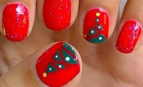 EASY Christmas Tree Nails