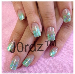 http://fingertipfancy.com/pastel-blue-and-green