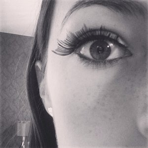 I used the Eylure Bat Winged Eyelashes they brought out for Halloween.