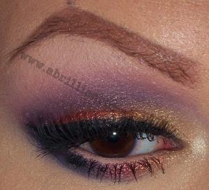 http://www.abrilliantbrunette.com/2012/01/88-metal-palette-jeweltone-eyes-and-mac.html