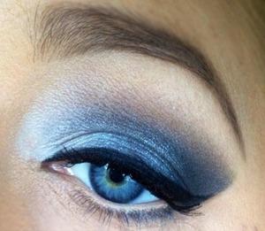 Monochromatic for blue eyes