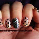 Dot Negative Space w/ Glitter Accent Nail