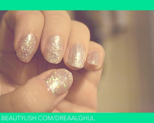 Light Glitter Nail Polish