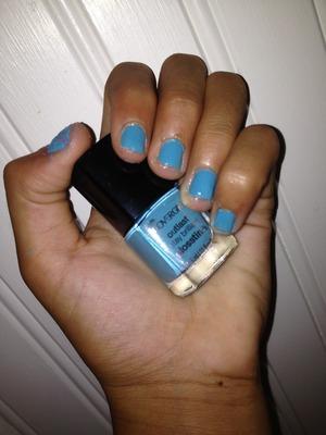 I love CoverGirl nail polish!!!! 😍