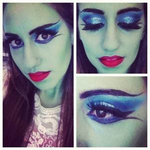 http://leadingladymakeup.com/2012/10/09/halloween-series-lily-munster-makeup/