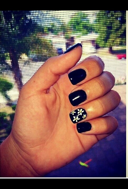 Short Black Gel Nails W Daisys Diana R S Photo Beautylish