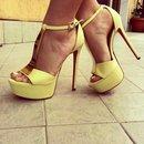 Amo queste scarpe!! 😍✨💛