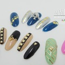 Metallic pearl nail art