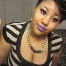 Neutral eye with purple lip