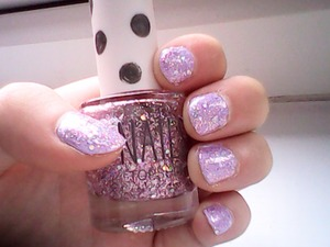Hi uys I hope you like my lilac life nails, it's just simple lilac nail varnish with topshop glitter over the top!!! Enjoy xx