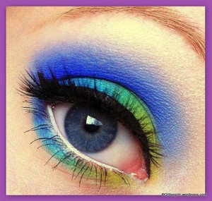 Bright, summery look, using mainly Makeup Geek eyeshadows, and Sugarpill lashes. :) Tutorial on my blog: http://glittergirlc.wordpress.com/2012/05/16/ocean-breeze/