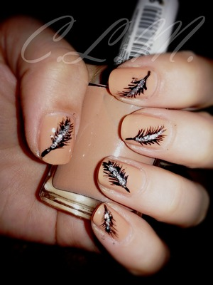 My feather nails, love the base color.