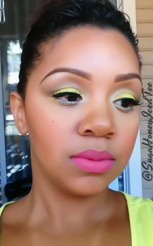 Neon green & pink lip