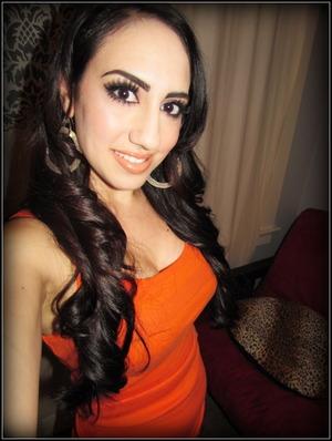 http://leadingladymakeup.com/2012/03/03/keeping-up-with-kims-smoky-eyes/