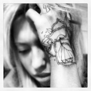 Hand tat