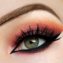 Arabic liner and warm shades