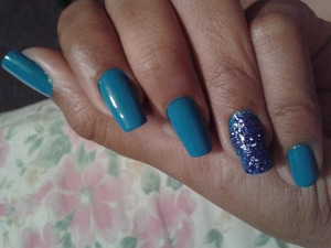 KLEANCOLOUR in (Neon Aqua) and some regular blue shining dust on the ring finger! Did this on myself.