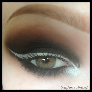 Follow @kimpants on Instagram to see a quick instavideo tutorial of this look :)