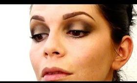 Quick & easy ombre smoky eye shadow