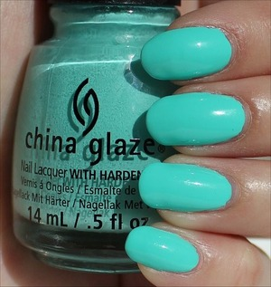 From the Sunsational Collection. Click here to see my in-depth review and more swatches: http://www.swatchandlearn.com/china-glaze-too-yacht-to-handle-swatches-review/