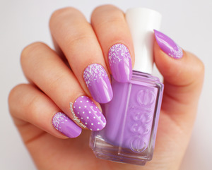 More photos & info here: http://www.lacquerstyle.com/2014/01/radiant-orchid-nail-art-featuring-essie.html