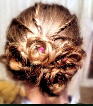 Simple updo great for day time