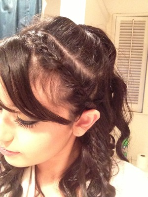 Got this Adriana Grande inspired hair style from Bethany's video of 5 easy heatless hairstyles for summer