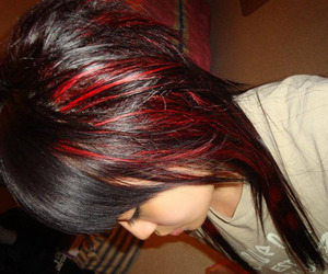 old pic of my hair when i had red peekabooing out & coontails at the bottom