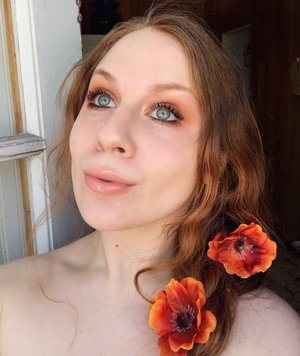 Happy Easter, lovies! Celebrate today in peace, and with some ethereal smokey eyes ;). http://theyeballqueen.blogspot.com/2017/04/everyday-burnt-orange-spring-makeup-look.html