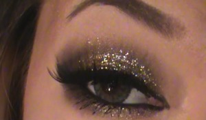 http://www.beautylish.com/v/rwqvic/dine-out-look-tutorial