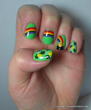 http://sugarmitten.wordpress.com/2012/03/19/belated-st-patricks-day-nail-art/