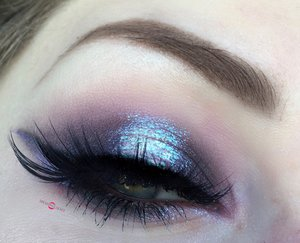 A break from holiday tutorials ;)! Tired out the new Lime Crime Diamond Crushers, and I LOVE EM'. Hope you cuties enjoy this iridescent tutorial! http://theyeballqueen.blogspot.com/2016/12/dramatic-iridescent-shimmering-purple.html