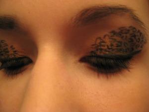 Leopard print eyes - http://www.youtube.com/user/TuTuBeauty28?feature=mhee#p/u/7/jzY6UBIX750