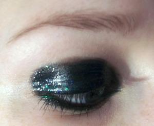 Glossy eye: http://colourbymakeup.blogspot.com/2012/02/black-glossy-eye-tutorial.html