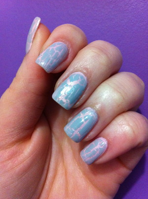 "Pastel crackle. Nail ""art"" for lazy days =)"