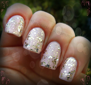 http://www.thepolishedmommy.com/2013/01/if-you-like-it-put-some-bling-on-it.html